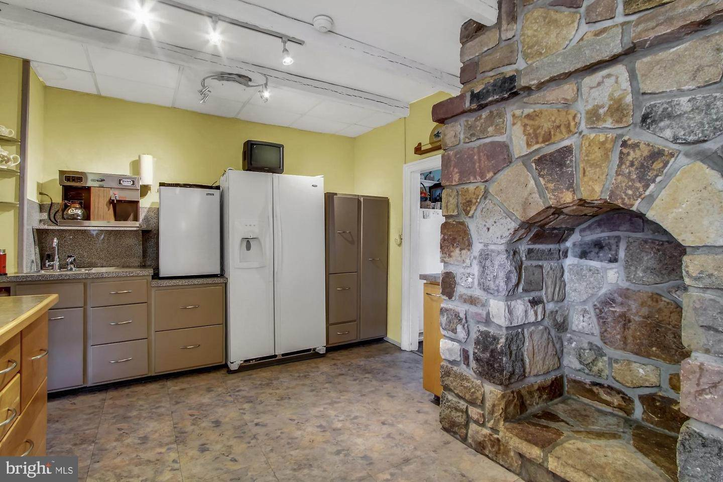 15. Residential for Sale at 2100 MAIN Street Narvon, Pennsylvania 17555 United States
