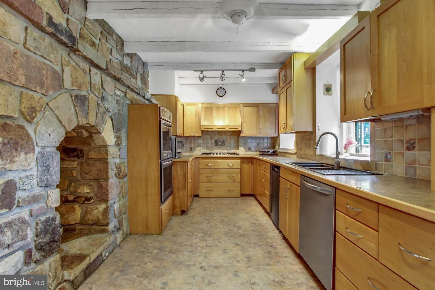 13. Residential for Sale at 2100 MAIN Street Narvon, Pennsylvania 17555 United States