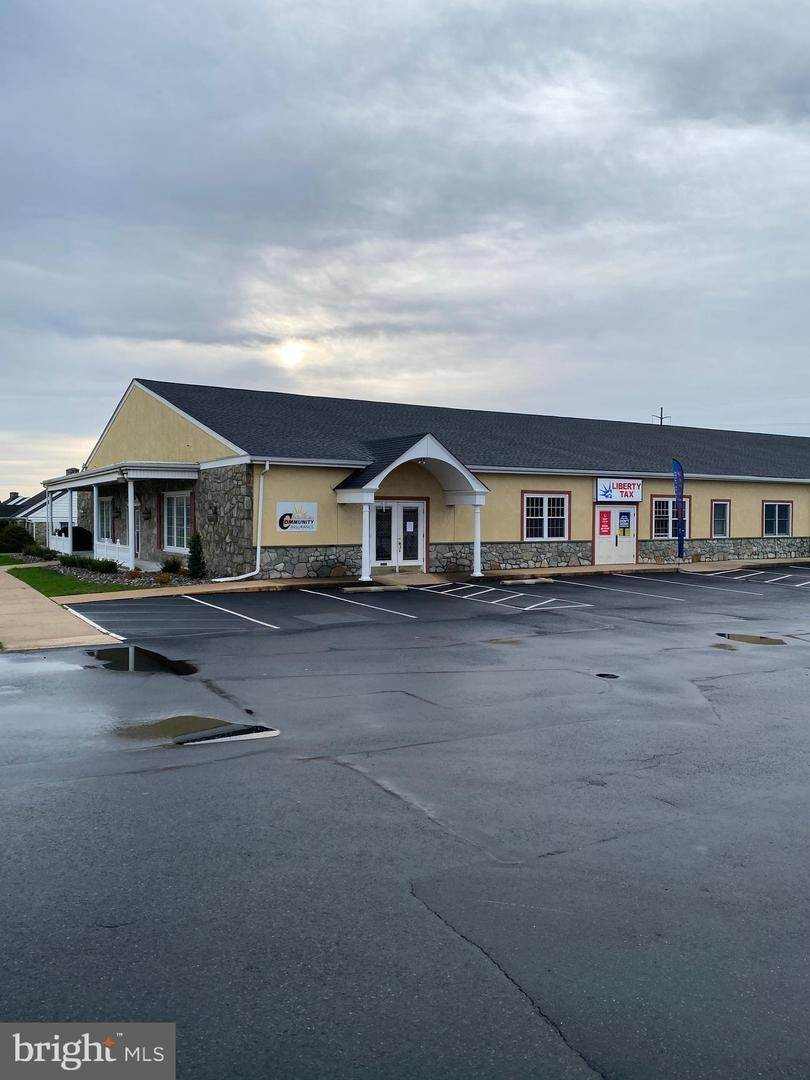 Commercial at 684 W MAIN ST #2 New Holland, Pennsylvania 17557 United States