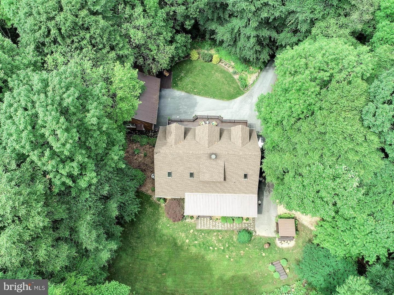 6. Residential for Sale at 755 SPORTSMAN Road Denver, Pennsylvania 17517 United States