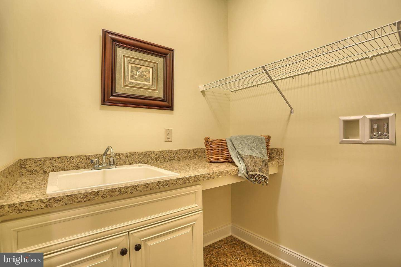 20. Residential for Sale at 119 STILLCREEK RD #55 Millersville, Pennsylvania 17551 United States