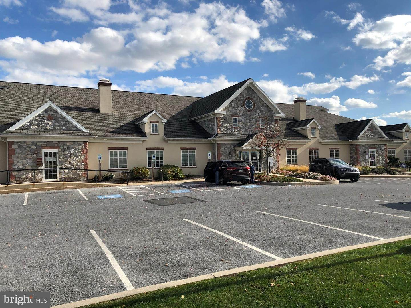 Commercial at 1555 HIGHLANDS DRIVE Lititz, Pennsylvania 17543 United States