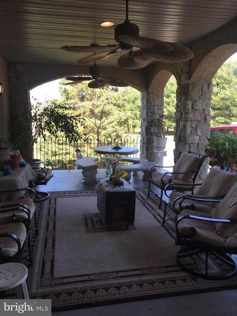 14. Residential for Sale at 962 TEXTER MOUNTAIN Road Robesonia, Pennsylvania 19551 United States