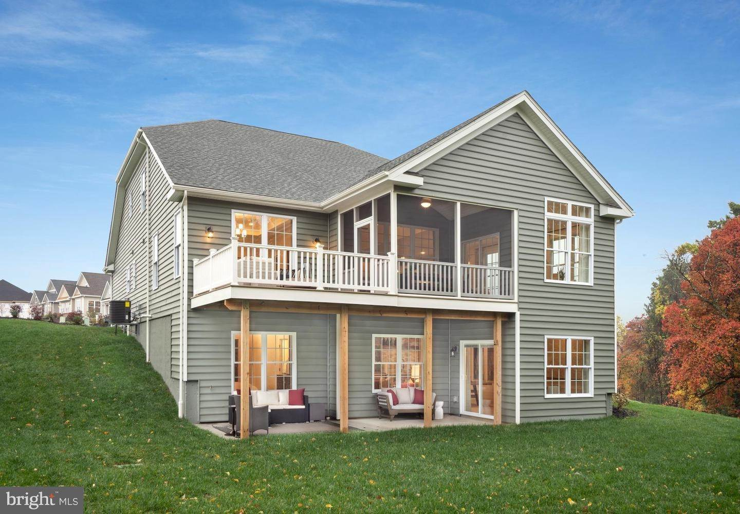 9. Residential for Sale at 820 FOUNDERS WAY #WASHINGTON MODEL East Petersburg, Pennsylvania 17520 United States