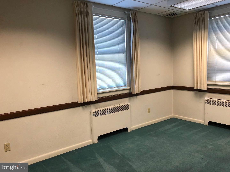 8. Residential for Sale at 120 N SHIPPEN Street Lancaster, Pennsylvania 17602 United States