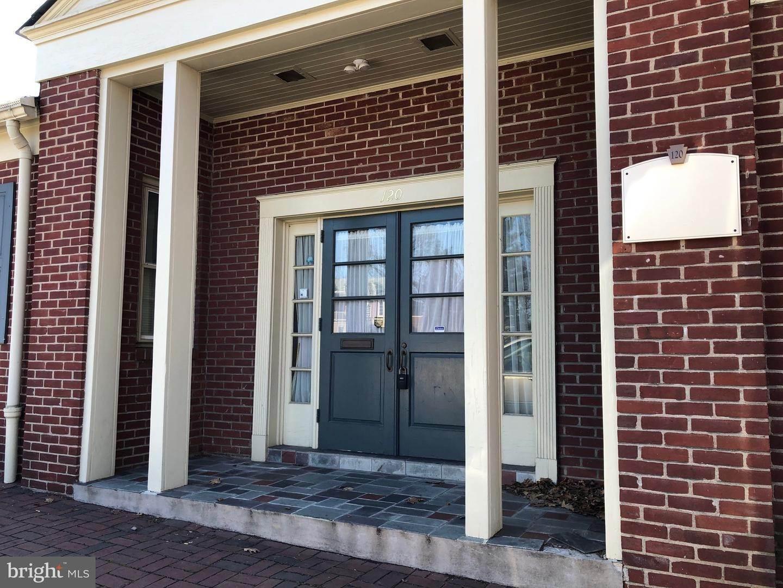 3. Residential for Sale at 120 N SHIPPEN Street Lancaster, Pennsylvania 17602 United States