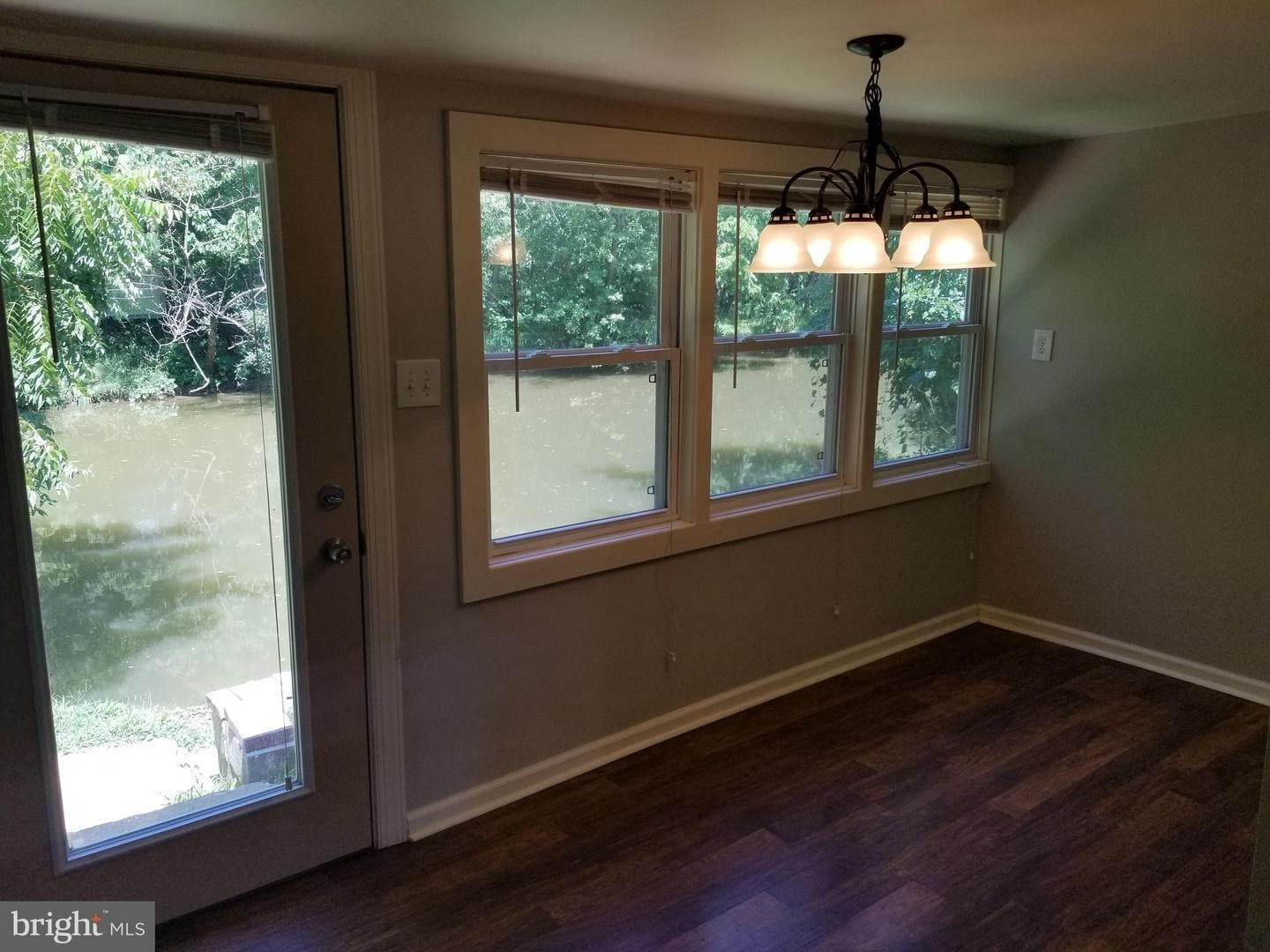 8. Residential for Sale at 655 S CHIQUES Road Manheim, Pennsylvania 17545 United States