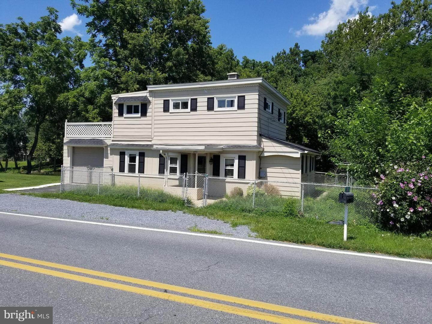 3. Residential for Sale at 655 S CHIQUES Road Manheim, Pennsylvania 17545 United States