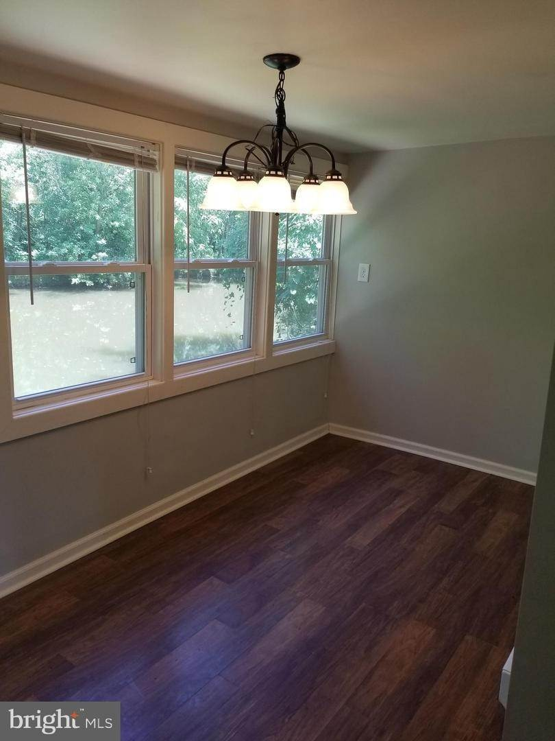 9. Residential for Sale at 655 S CHIQUES Road Manheim, Pennsylvania 17545 United States