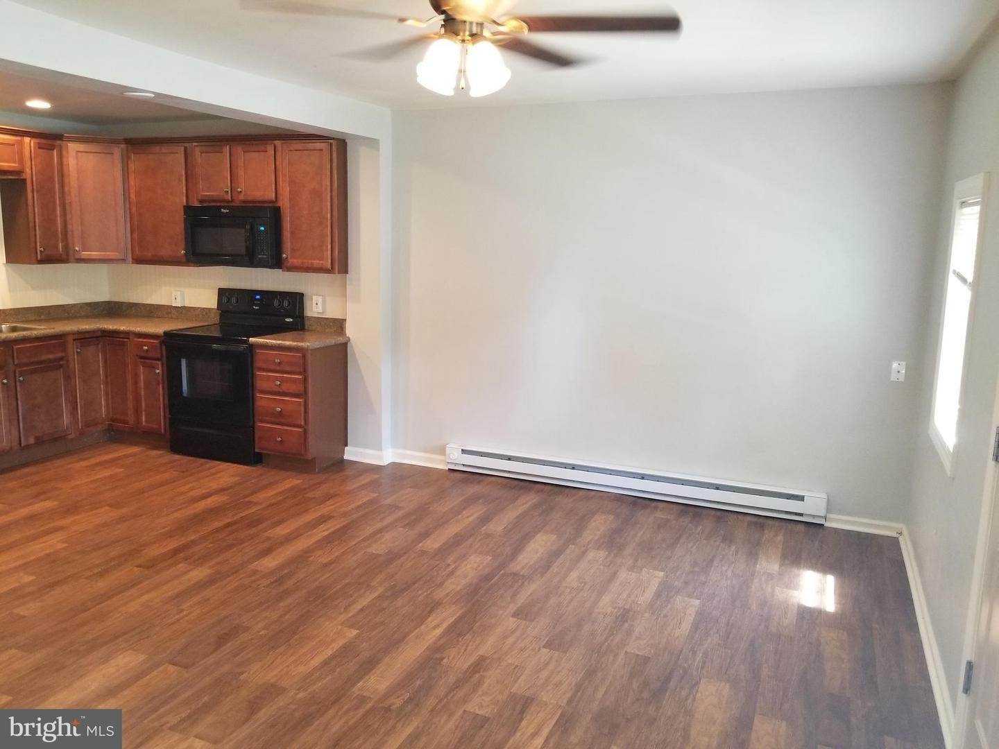 6. Residential for Sale at 655 S CHIQUES Road Manheim, Pennsylvania 17545 United States