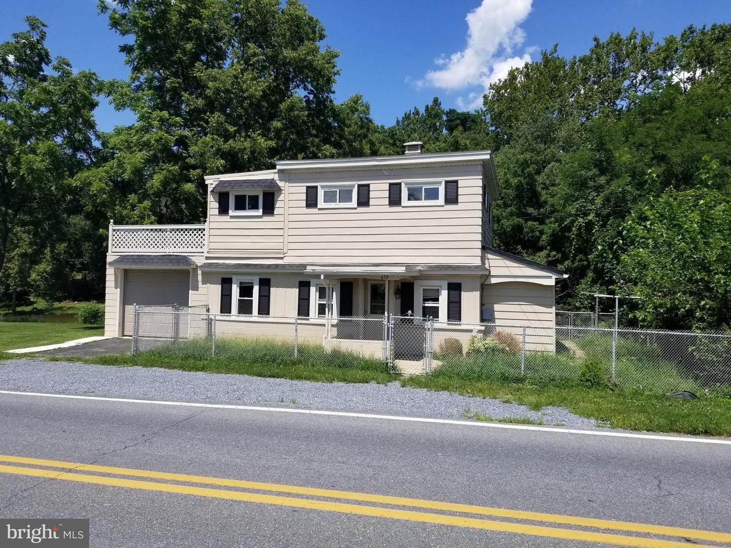 2. Residential for Sale at 655 S CHIQUES Road Manheim, Pennsylvania 17545 United States