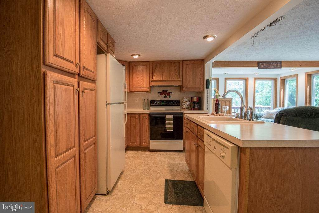 13. Residential for Sale at 411 PEACH BOTTOM Road Peach Bottom, Pennsylvania 17563 United States