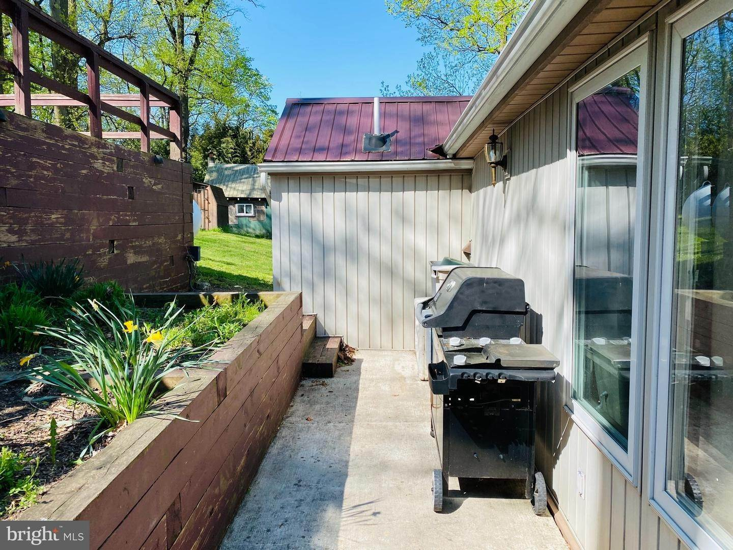 5. Residential for Sale at 411 PEACH BOTTOM Road Peach Bottom, Pennsylvania 17563 United States