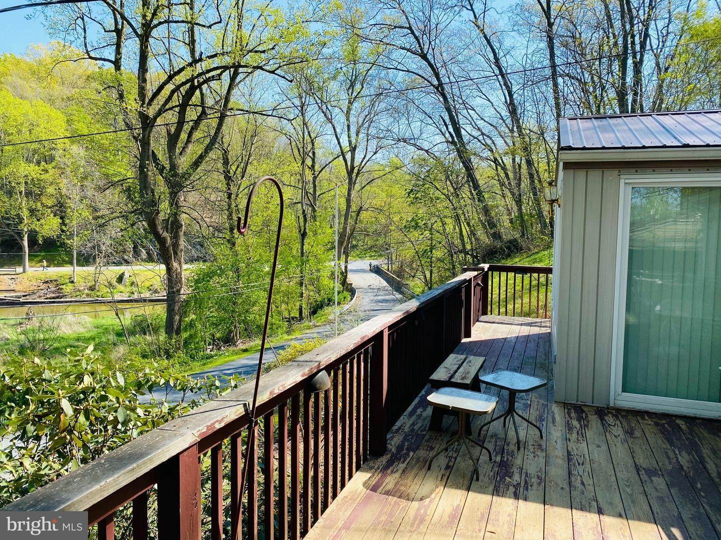 8. Residential for Sale at 411 PEACH BOTTOM Road Peach Bottom, Pennsylvania 17563 United States