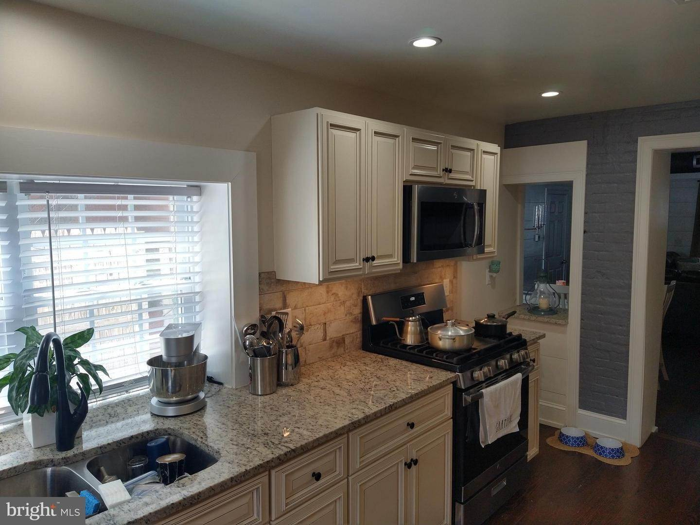 5. Residential for Sale at 219 N LIME Street Lancaster, Pennsylvania 17602 United States