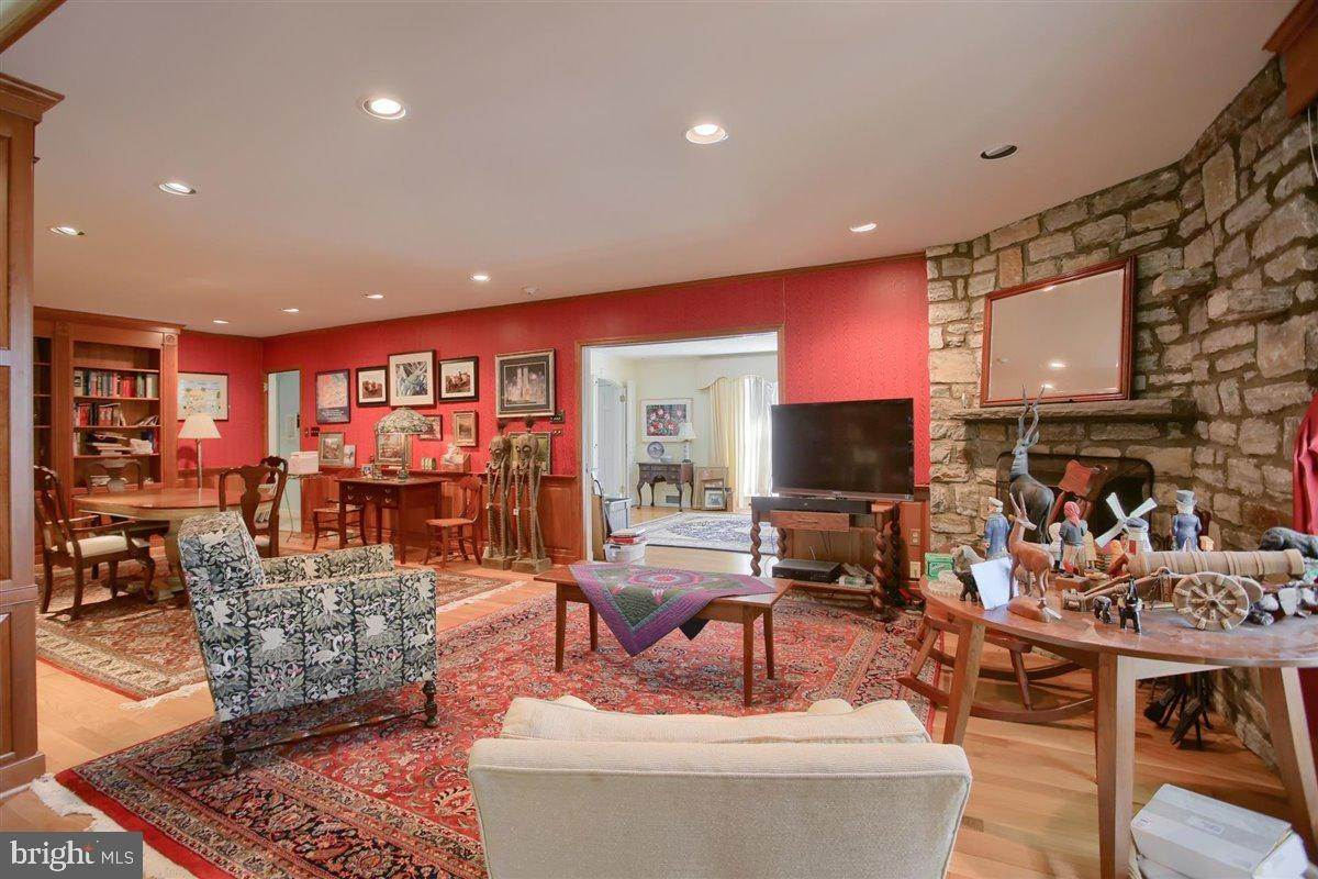 20. Residential for Sale at 1515 RIDGE Road Lancaster, Pennsylvania 17603 United States