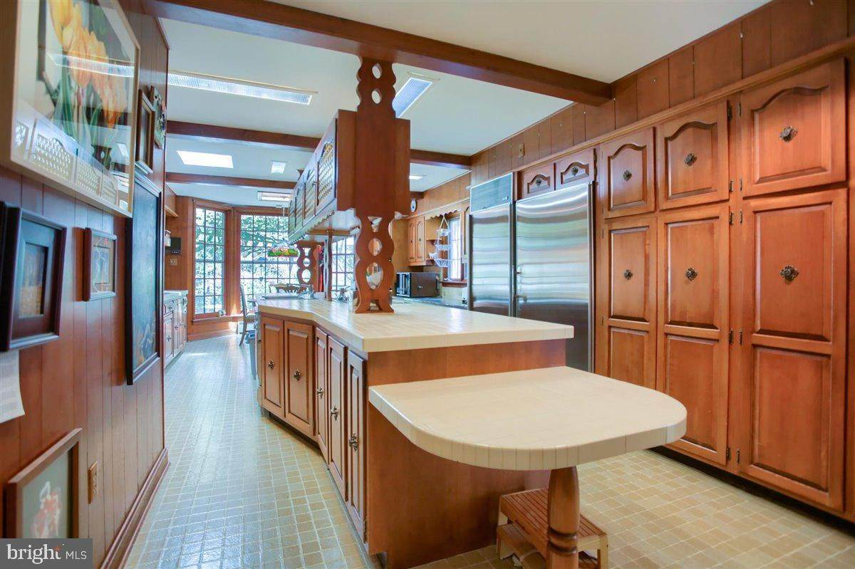 13. Residential for Sale at 1515 RIDGE Road Lancaster, Pennsylvania 17603 United States