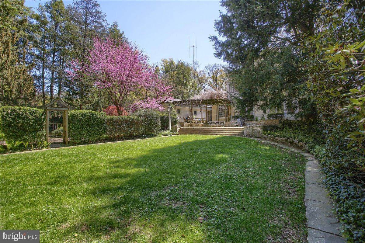 4. Residential for Sale at 1515 RIDGE Road Lancaster, Pennsylvania 17603 United States