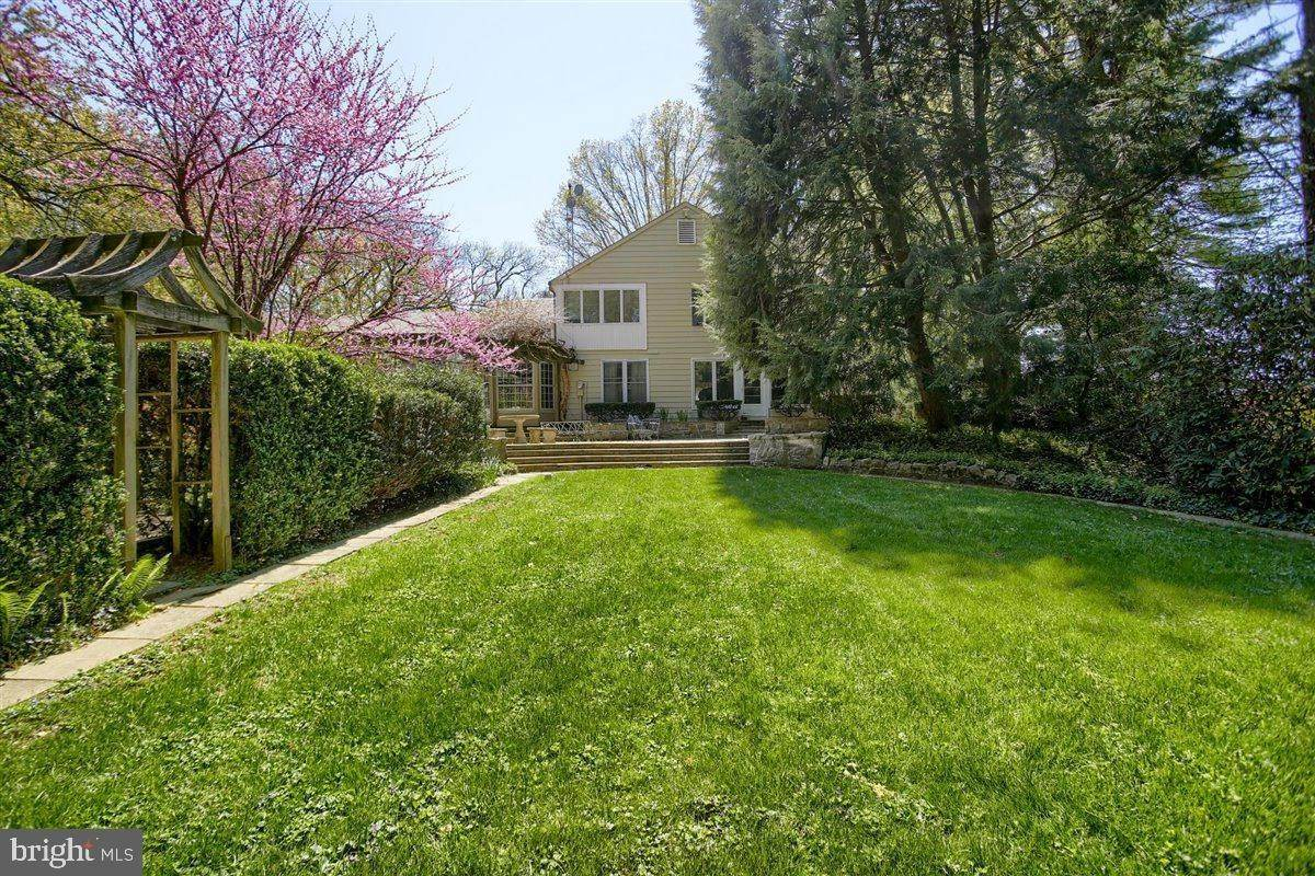 6. Residential for Sale at 1515 RIDGE Road Lancaster, Pennsylvania 17603 United States
