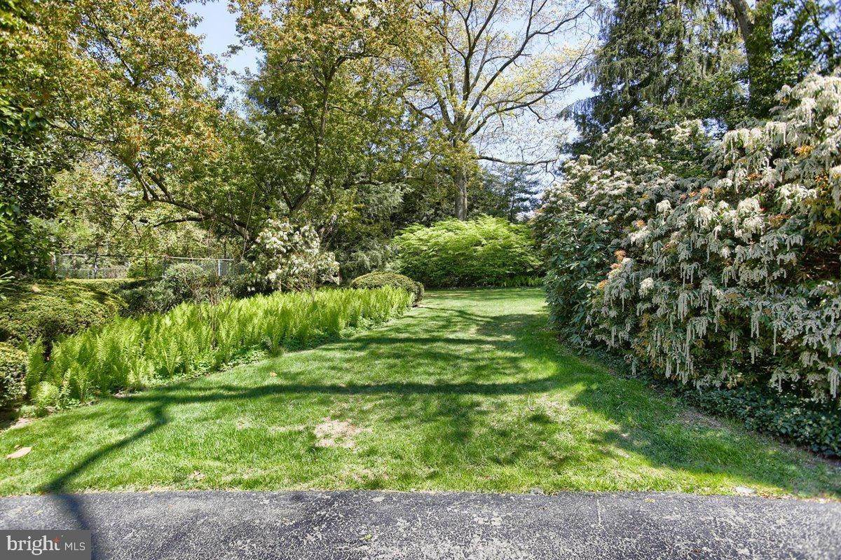 7. Residential for Sale at 1515 RIDGE Road Lancaster, Pennsylvania 17603 United States