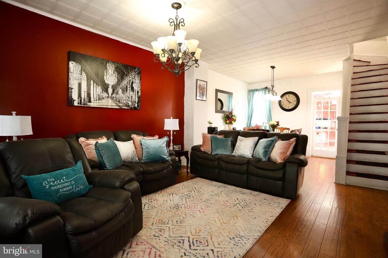 3. Residential for Sale at 405 SAINT JOSEPH Street Lancaster, Pennsylvania 17603 United States