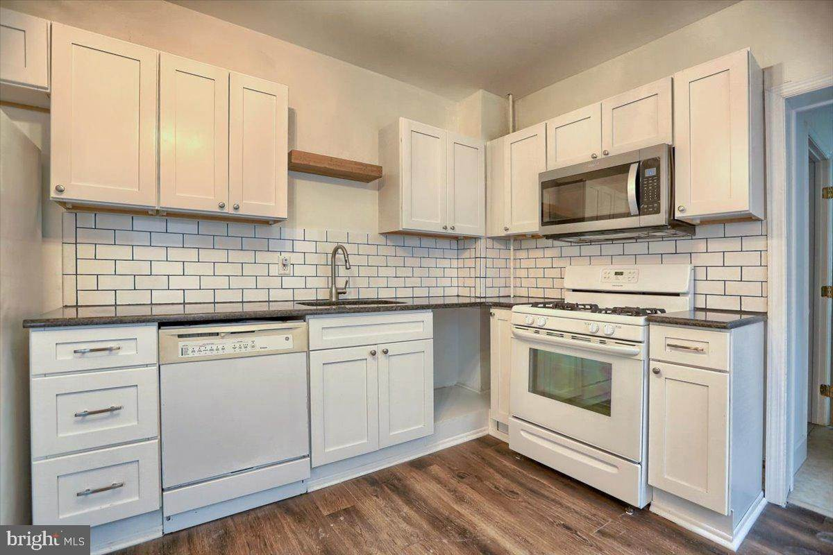 6. Residential for Sale at 133 N 7TH Street Columbia, Pennsylvania 17512 United States