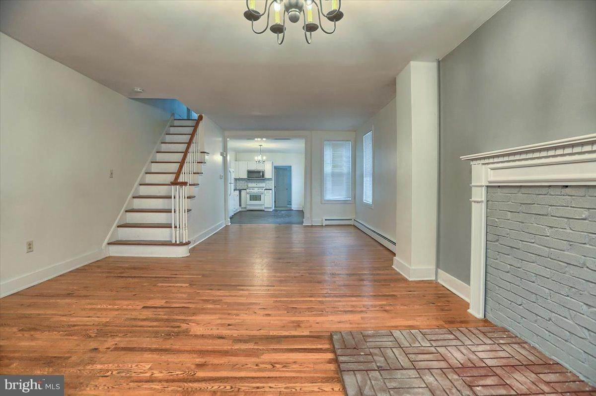 3. Residential for Sale at 133 N 7TH Street Columbia, Pennsylvania 17512 United States