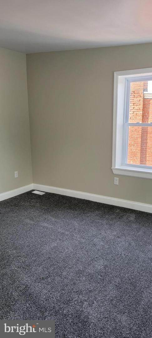 20. Residential for Sale at 8 N 6TH Street Denver, Pennsylvania 17517 United States