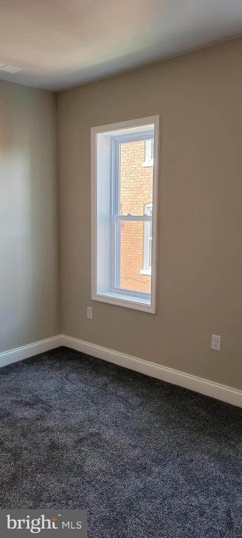 16. Residential for Sale at 8 N 6TH Street Denver, Pennsylvania 17517 United States