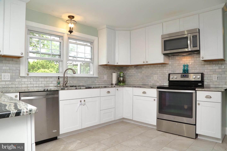 11. Residential for Sale at 44 BLAINE Avenue Leola, Pennsylvania 17540 United States