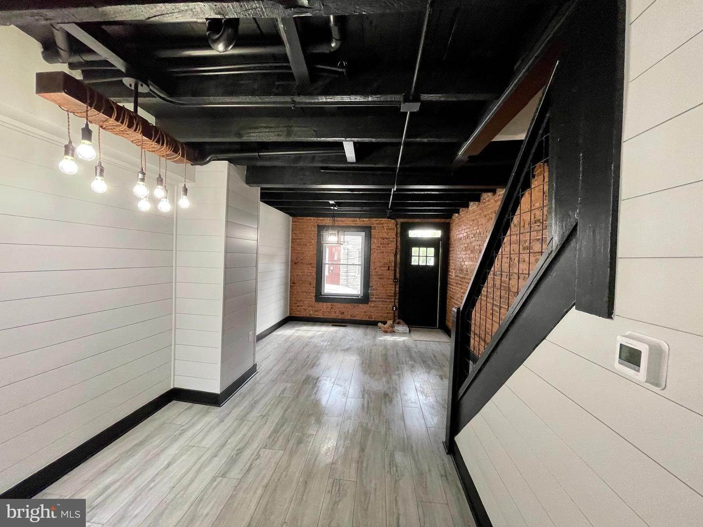 5. Residential for Sale at 445 ATLANTIC Avenue Lancaster, Pennsylvania 17602 United States