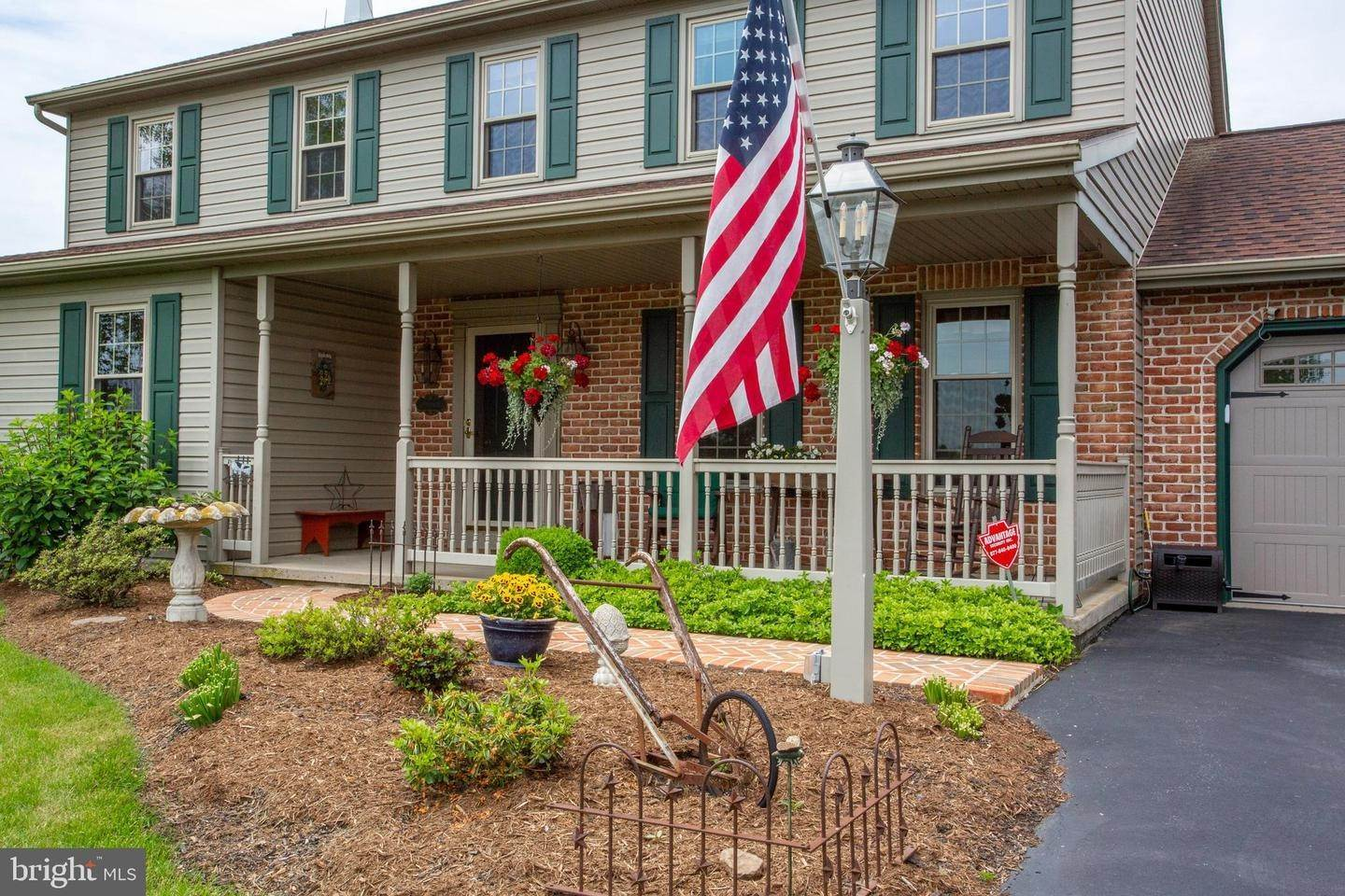 5. Residential for Sale at 1442 HAY FIELD Drive East Earl, Pennsylvania 17519 United States