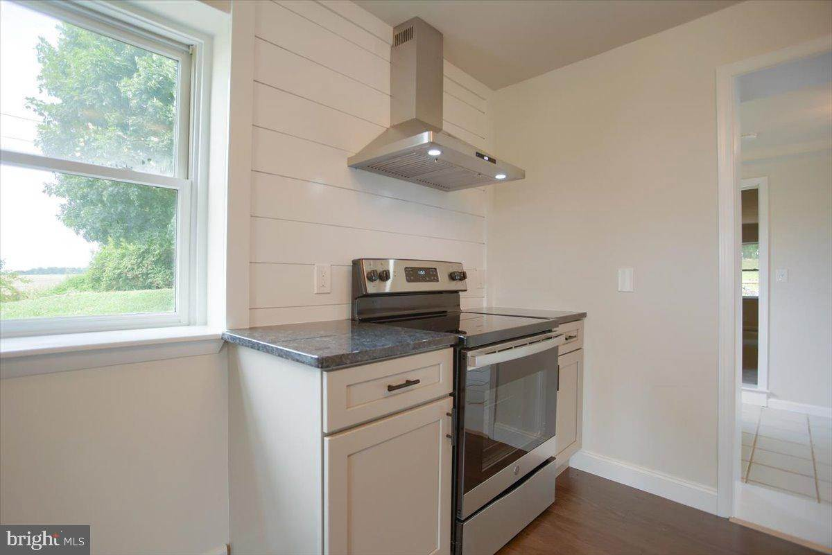 17. Residential for Sale at 4 HARTWICKE Drive Quarryville, Pennsylvania 17566 United States