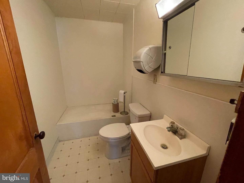 8. Residential for Sale at 45 W BRANDT BLVD Landisville, Pennsylvania 17538 United States