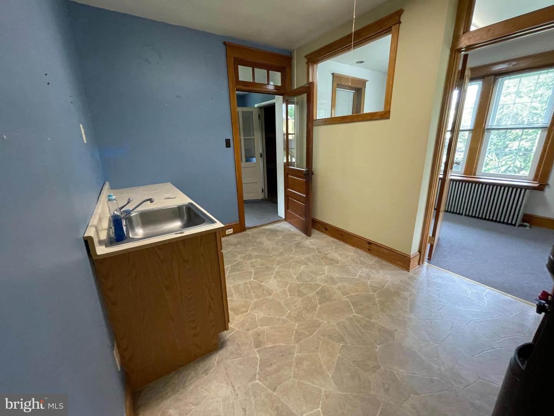 9. Residential for Sale at 45 W BRANDT BLVD Landisville, Pennsylvania 17538 United States