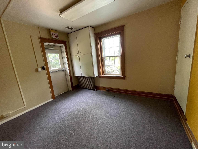 18. Residential for Sale at 45 W BRANDT BLVD Landisville, Pennsylvania 17538 United States