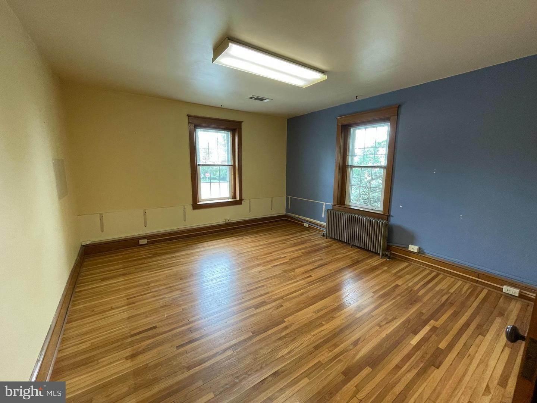 20. Residential for Sale at 45 W BRANDT BLVD Landisville, Pennsylvania 17538 United States