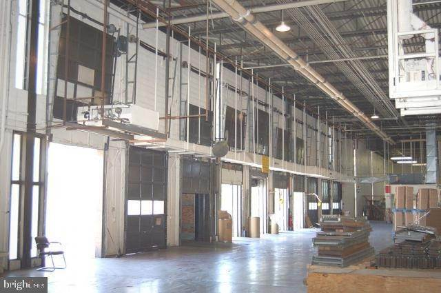 7. Commercial at 1000 NEW HOLLAND AVE #BUILDING16 Lancaster, Pennsylvania 17601 United States