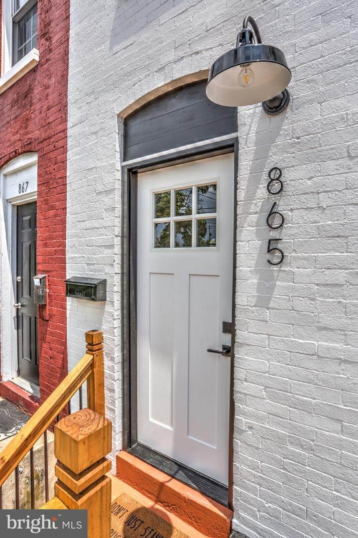 10. Residential for Sale at 865 N PRINCE Street Lancaster, Pennsylvania 17603 United States