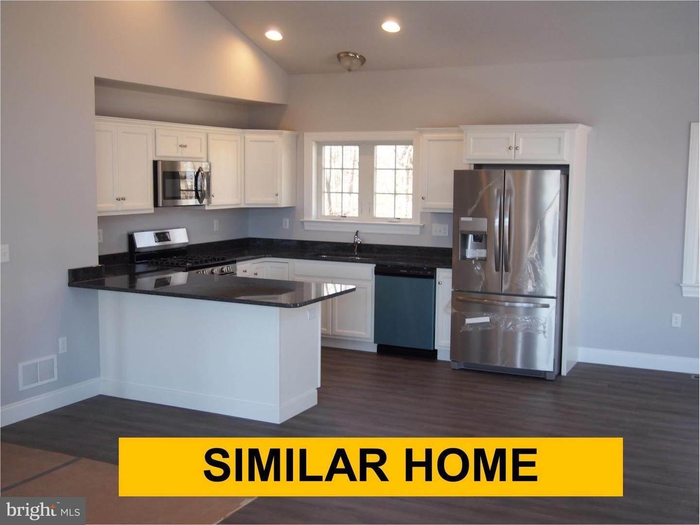 3. Residential for Sale at 271 ERSA Drive Elizabethtown, Pennsylvania 17022 United States