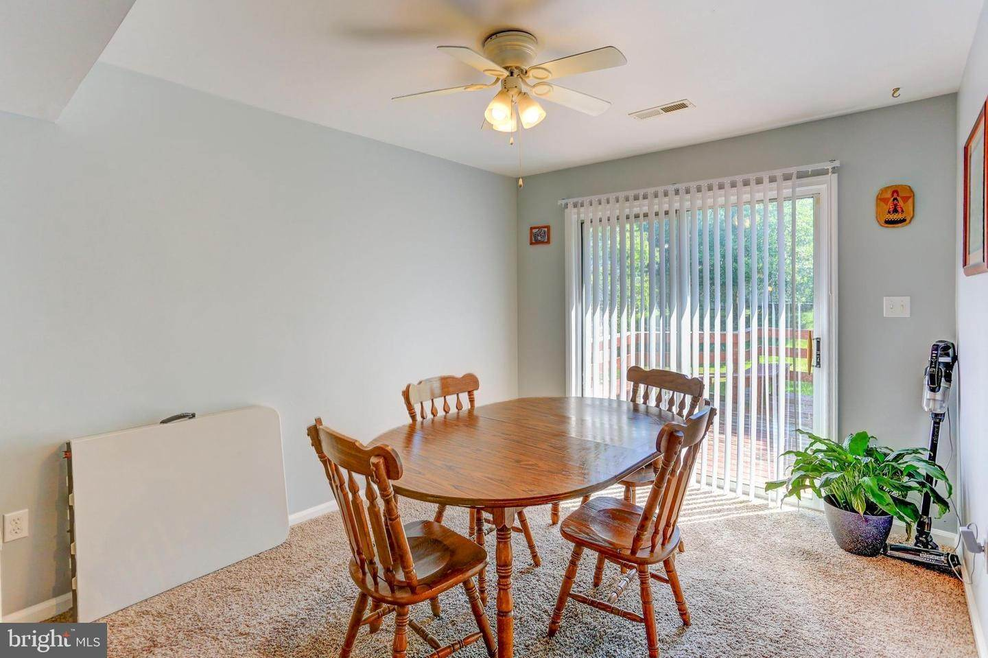 8. Residential for Sale at 6 AMBER Court Millersville, Pennsylvania 17551 United States