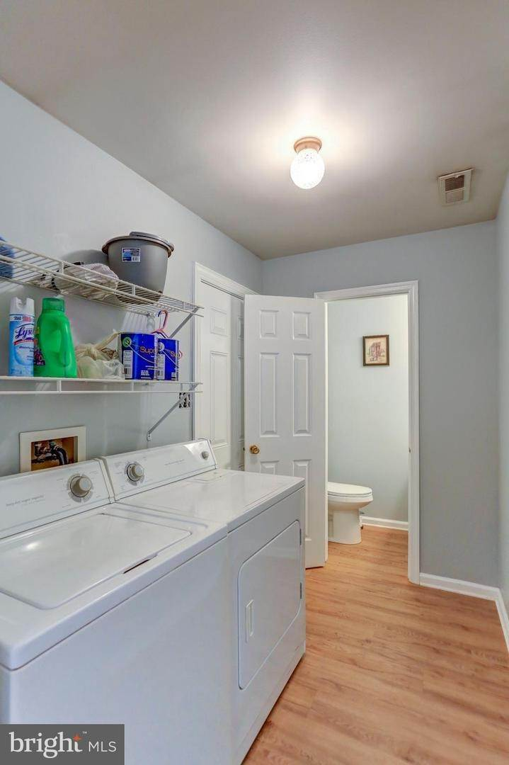 15. Residential for Sale at 6 AMBER Court Millersville, Pennsylvania 17551 United States
