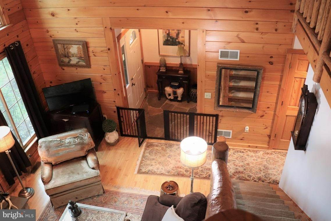 9. Residential for Sale at 1814 MANSION Lane Mount Joy, Pennsylvania 17552 United States