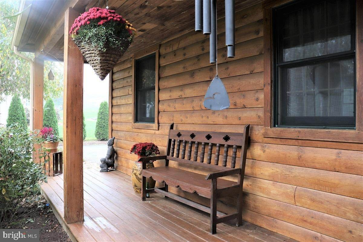 5. Residential for Sale at 1814 MANSION Lane Mount Joy, Pennsylvania 17552 United States