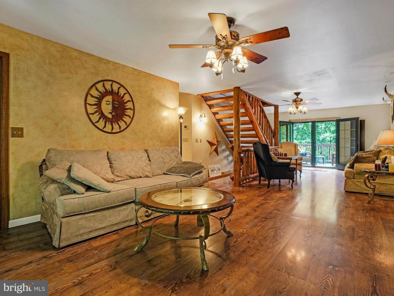 8. Residential for Sale at 755 SPORTSMAN Road Denver, Pennsylvania 17517 United States