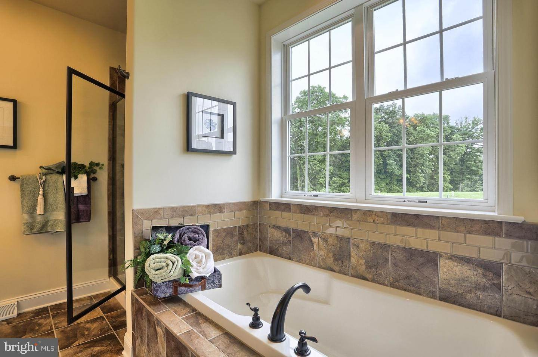 19. Residential for Sale at 119 STILLCREEK RD #55 Millersville, Pennsylvania 17551 United States