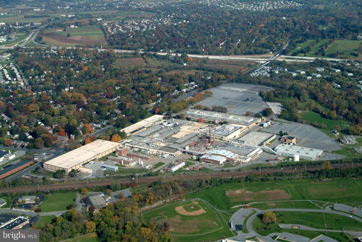 3. Commercial at 1000 NEW HOLLAND AVE #BUILDING 12 Lancaster, Pennsylvania 17601 United States