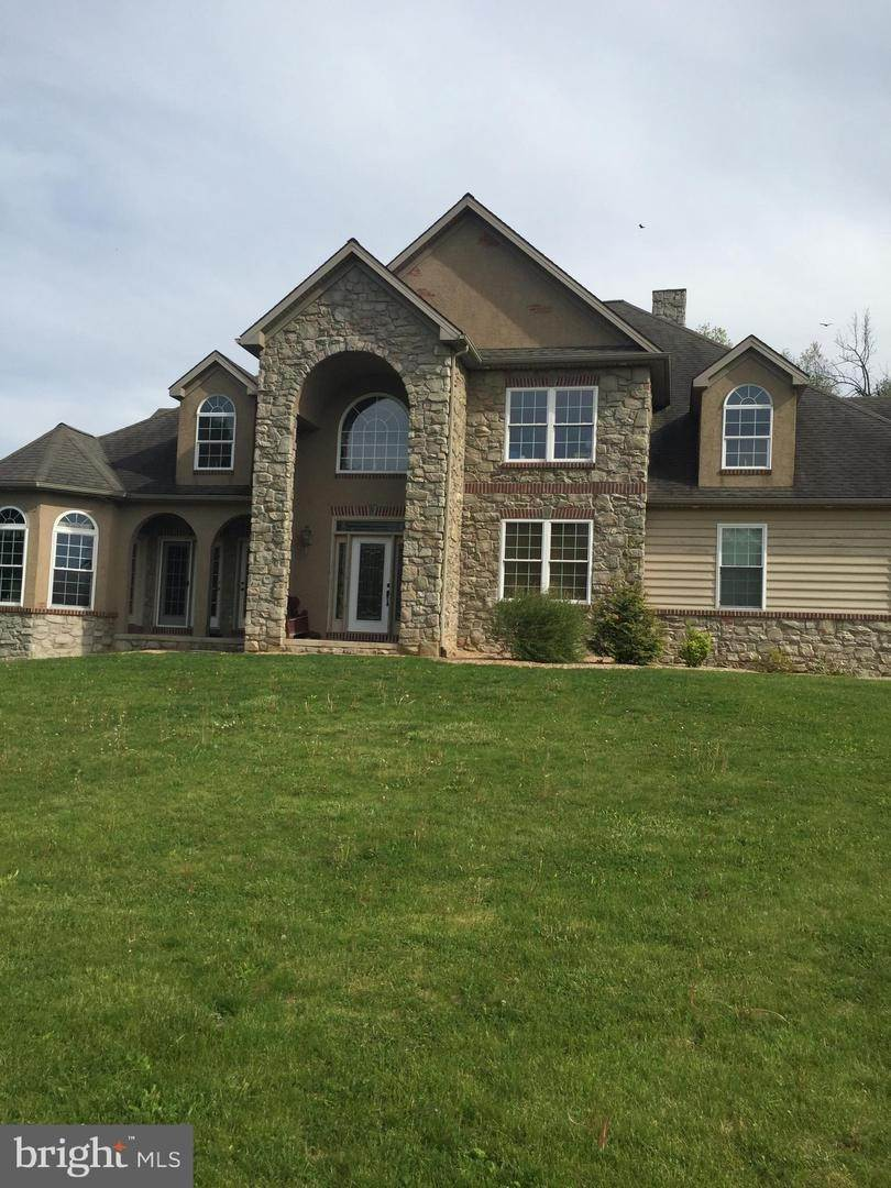 6. Residential for Sale at 962 TEXTER MOUNTAIN Road Robesonia, Pennsylvania 19551 United States