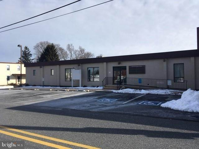 3. Commercial at 2 COLLEGE AVE #MAIN LEVEL Mountville, Pennsylvania 17554 United States