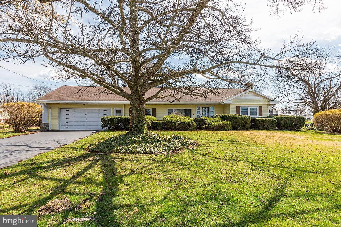 Residential for Sale at 381 S BELMONT Road Paradise, Pennsylvania 17562 United States